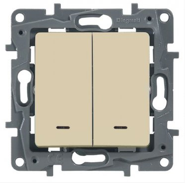 Выключатель двухклавишный ETIKA Legrand с подсветкой крем